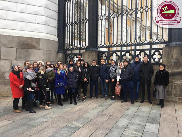 Студенты групп ПС-25,26 и ПС-31,32 посетили Оружейную палату и Алмазный фонд РФ