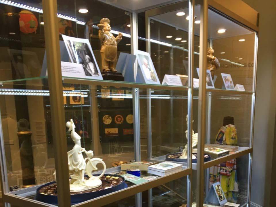 Экскурсия групп ПС 21,22 на экспозиции «Роза Эйнема» в Музее истории шоколада и какао «мишка» | 16.10.2019