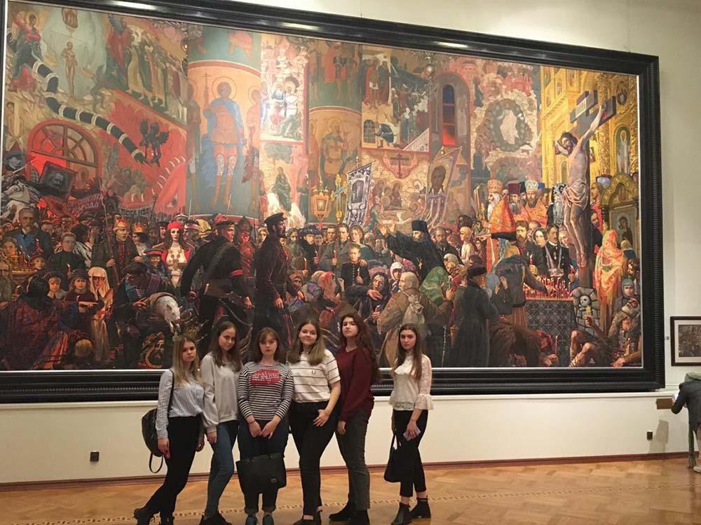 Посещение галереи Ильи Глазунова группами ПС 21,22 | 19.10.2019