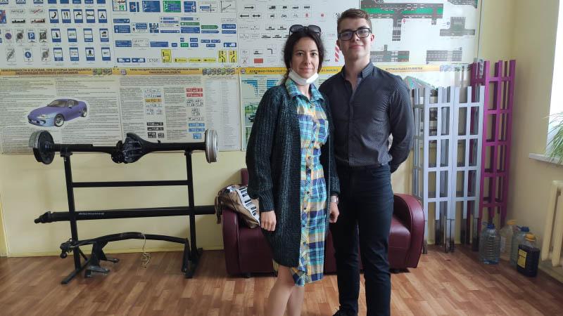 Cтуденты Бакетов М., Башлакова А. и М. Имиева были сопровождены на сдачу ЕГЭ по математике (07.06.2021)