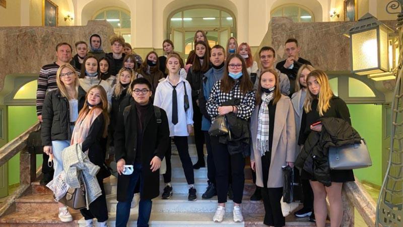 Экскурсия 1 курса (группы Б-17,18) в РЭУ им Г.В.Плеханова (13.10.2021)