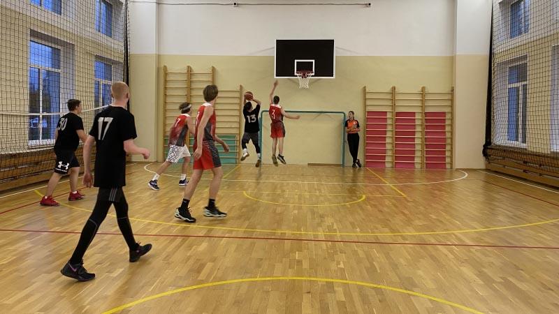 Команды МПЭК показали хорошую игру по результатам игрового дня Плехановской Лиги по баскетболу (11.10.2021)