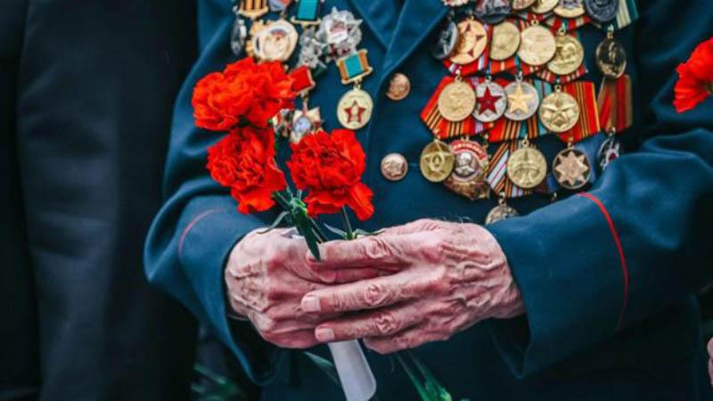 Поздравление Ветеранов ВОВ с 76-летием победы